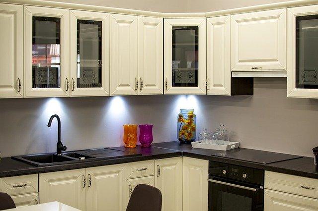 Top under cabinet lighting ideas for Kitchen